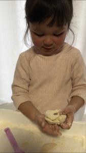 小麦粉ねんど 脳育遊び